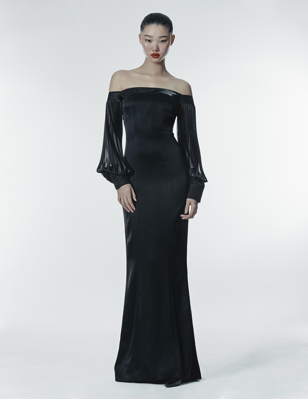 BLACK SILK-PLEATS DRESS