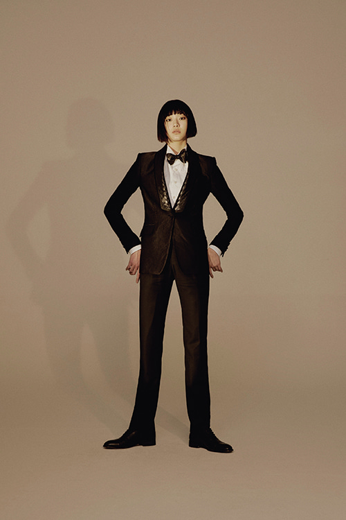 BLACK JACQUARD SILK TUXEDO JACKET(PLEATED LAPEL)